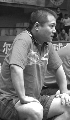 昨天,前奥运会乒乓球冠军王涛应邀在重庆参加某品牌的奥运...