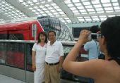 北京地铁新线试运营 10号线4小时客流超5万(图)