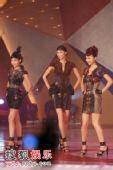 图:众佳丽与舞蹈员一同热舞 06