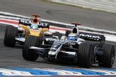 图文:[F1]德国大奖赛正赛 罗斯伯格领先对手