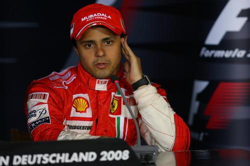 图文:[F1]德国大奖赛正赛 马萨接受采访
