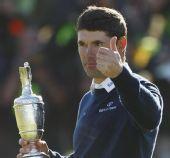 图文:英国公开赛哈灵顿夺冠 再次捧起葡萄酒杯