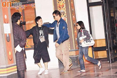 李亚鹏和窦靖童由刘嘉玲的助手亲自接待