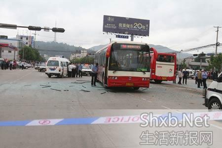 昆明公交爆炸现场
