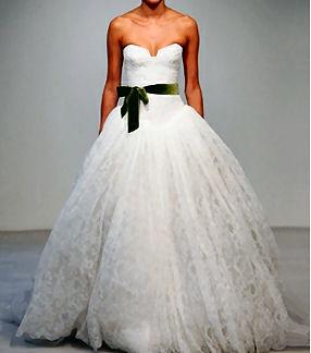 Vera Wang设计的婚纱