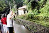 台湾台风过后阿里山部分塌方 森林小火车停运