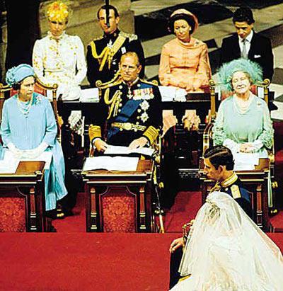 主参加查尔斯与戴安娜婚礼时的打扮.-英国最务实公主 一件礼服穿