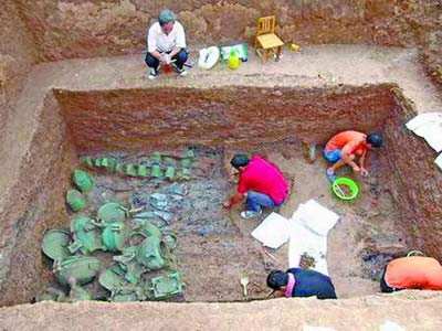 古墓发掘现场。首席记者郭启朝图