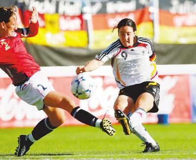 7月23日晚,挪威女足与德国队在挪威举行奥运热身赛,结果主队以2∶0获胜。