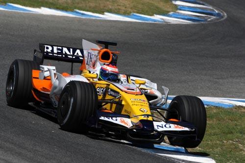 图文:F1赫雷斯试车第四天 雷诺试车手格罗斯让
