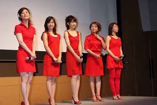 组图:日本奥运美女主播亮相