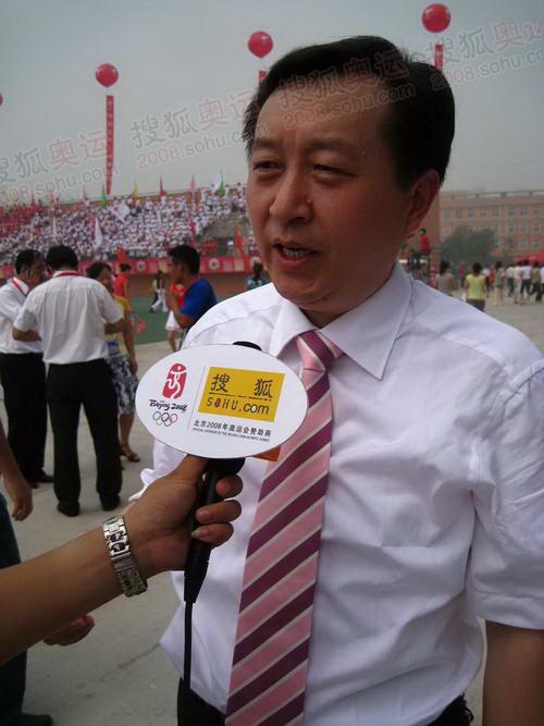 安阳市市长张笑东接受官网记者独家采访