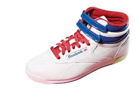 红×白×蓝色波鞋 $500