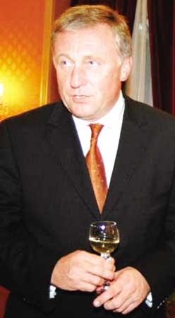 捷克总理米雷克·托波拉内克