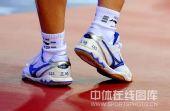 图文:国乒奥运男团热身决赛 王皓的独门武器