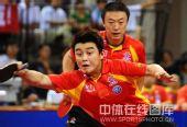 图文:国乒奥运男团热身决赛 王皓马琳有默契