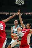 图文:阿根廷队战胜伊朗队 吉诺比利强行单打