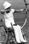 菲尔霍:轮椅上射箭 第一位奥运会残疾人运动员