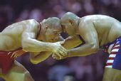 卡列林:奥运摔跤场上的巨汉 俄罗斯下议院议员