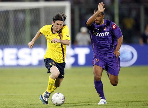 图文:热身赛巴萨3-1佛罗伦萨 梅西摆脱梅洛