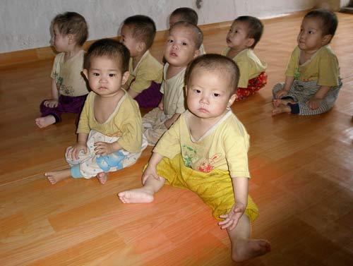 6月20日,清津孤儿院的儿童。