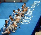 图文:国家体育馆装扮一新 志愿者小憩