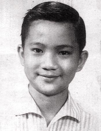 徐小明五岁开始做童星,拍片过百