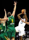 图文:美国男篮VS立陶宛 美国队球员保罗