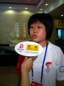 组图:奥运官网采访天津站学生火炬手王怡然