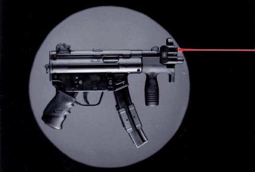 萨科奇保镖携带MP5K防卫