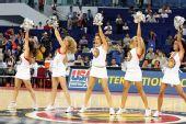 图文:美国男篮VS俄罗斯 性感拉拉队热舞