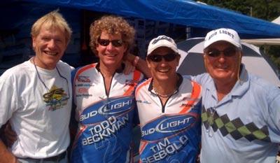 左一:金牌主持迈克,右二:提姆•赛鲍尔德,右三:迈克•赛鲍尔德