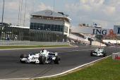 图文:F1匈牙利大奖赛正赛 宝马超过本田