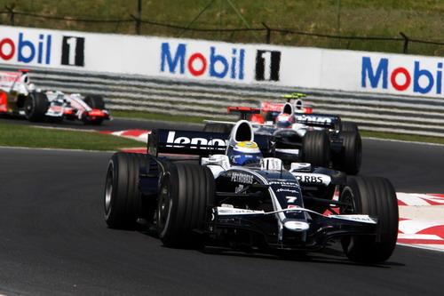 图文:F1匈牙利大奖赛正赛 罗斯伯格过弯瞬间