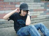 图文:林俊杰备战火炬接力狂练俯卧撑 搞怪