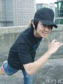 图文:林俊杰备战火炬接力狂练俯卧撑 鬼马