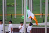 图文:爱尔兰奥运代表团升旗仪式 旗子在飘舞中