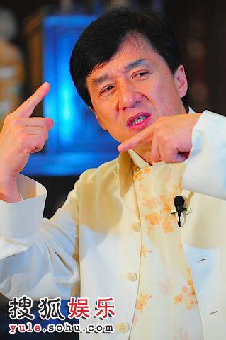 成龙接受张朝阳先生专访
