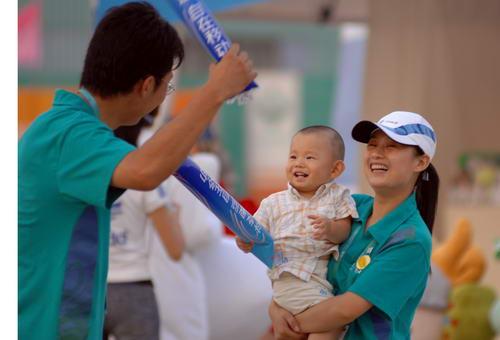 图文:北京奥运安保掠影 五棵松棒球场志愿者