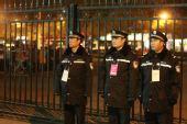 图文:北京奥运安保掠影 艰守在工作岗位的民警