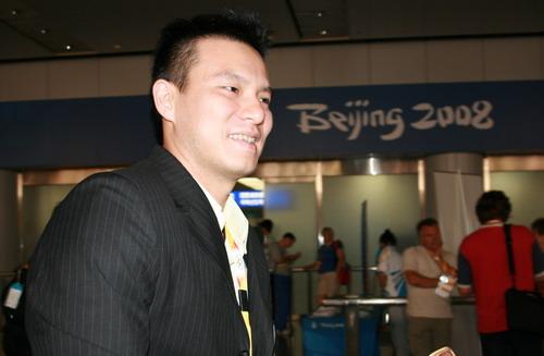图文:马来西亚羽毛球队抵京 队员李万华