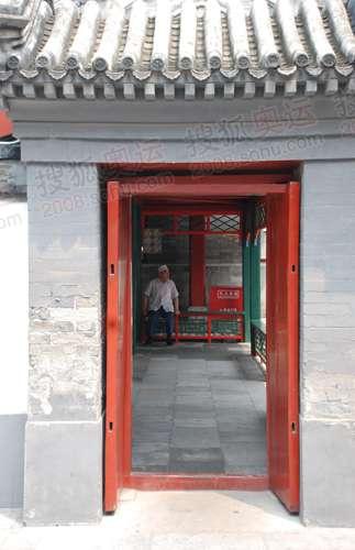 礼拜寺侧墙和内部