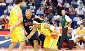 图文:美国男篮vs澳大利亚 基德防守