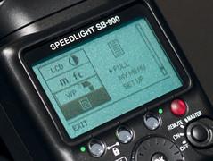 尼康顶级闪灯SB900上市 老款SB800大降价