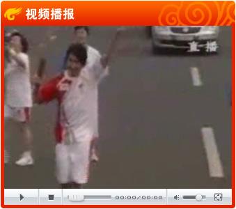 青春偶像加绝对实力派 歌手林俊杰传祥云