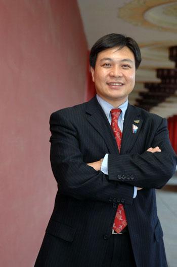 联想集团高级副总裁兼大中华和俄罗斯区总裁陈绍鹏