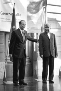 索拉纳(左)与贾利利(右)的电话会谈记录被当成了伊朗对复谈方案的答复?