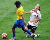 图文:德国0-0巴西 弗米伽全力拼抢