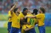 图文:巴西VS比利时 巴西庆祝胜利