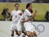 图文:[奥运会]中国国奥1-1新西兰 对手庆祝进球